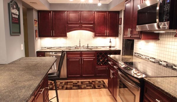 cherry-glaze-kitchen-cabinets